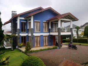 IMG-20140812-00014-1-300x225 Villa Istana Bunga Lembang 3 Kamar,Villa Biru