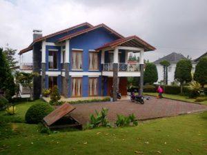 IMG-20140812-00015-1-300x225 Villa Istana Bunga Lembang 3 Kamar,Villa Biru