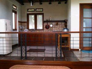 Parompong-20141019-00065-300x225 Villa Istana Bunga 2 Kamar,Villa Mayasari