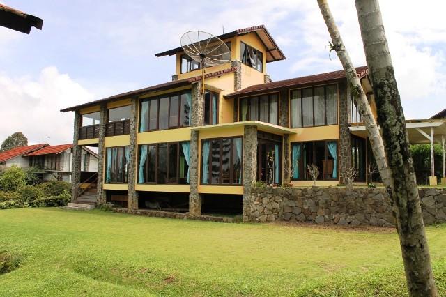 VILLA-GUE-BLOK-S-NO-504 Home