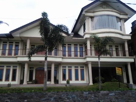 harga villa istana bunga