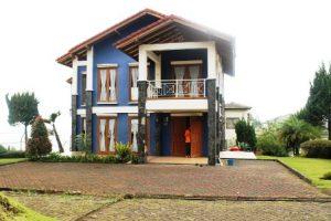 villa-biru-01-300x200 Villa Istana Bunga Lembang 3 Kamar Banyak pilihan