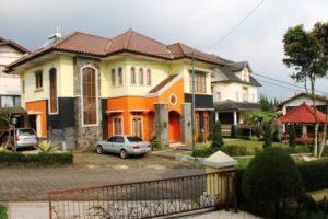 Villa-Orange27-300x200 Sewa Villa Istana Bunga 5 Kamar Kapasitas 20 orang