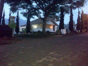 IMG-20151030-00098-300x225 Villa Putih 2 Kamar Istana Bunga Lembang Bandung