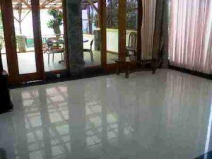 IMG00327-20130304-1404-300x225 Villa Istana Bunga 3 Kamar Bagus dan Murah