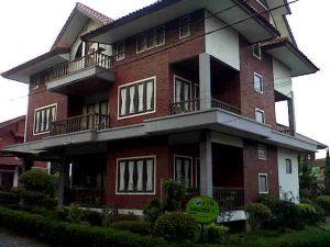 IMG01548-20150807-1723-300x225 Villa Di lembang 9 Kamar kapasitas 30 Orang