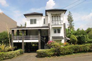 VILLA-CIREBON01-300x200 Villa Istana Bunga Lembang 2 Kamar,Villa Cirebon kapasitas 12 Orang.