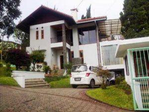 Cisarua-20140114-00120-300x225 Villa Di Lembang 3 Kamar View Bagus Kapasitas Maksimal 20 Orang