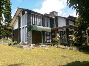 P1300034-1-300x225 Villa Di Lembang 3 Kamar Blok T no 3 Kapasitas 20 Orang