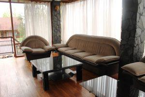 VILLA-QTA13-300x200 Villa 5 Kamar Untuk 50 Orang Di Lembang Murah