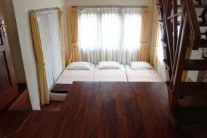 VILLA-QTA18-300x200 Villa 5 Kamar Untuk 50 Orang Di Lembang Murah