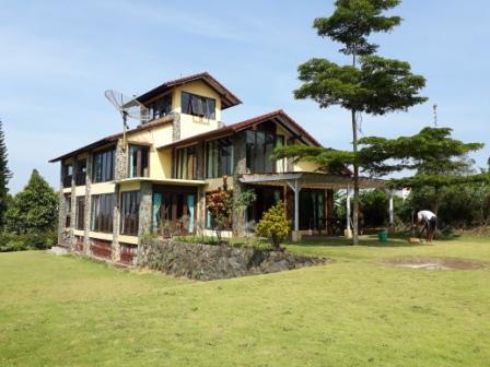 Villa Istana Bunga Untuk 50 Orang