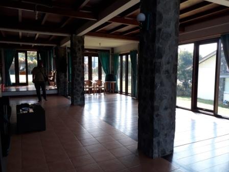 20180713_100258 Kencana Villa Di Istana Bunga Lembang 4 Kamar yang Luas
