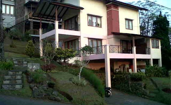 Pilihan Villa Istana Bunga 3 Kamar Triny