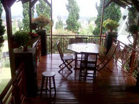 Cisarua-20140628-02000 Villa Di Lembang Untuk 35 Orang