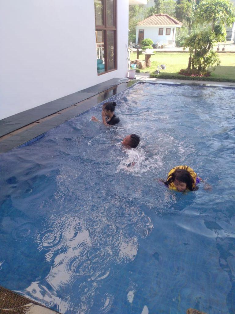 IMG-20191130-WA0034-768x1024 2 Unit Villa Kolam Renang Di Lembang