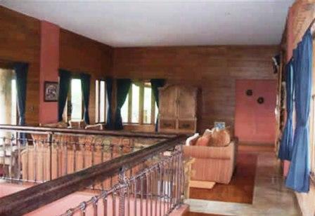 RUANG-TAMU-LANTAI-2 Sewa Villa Lembang Yang Asri Dan Nyaman