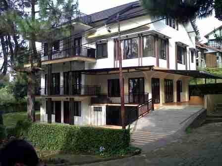 Villa Istana Bunga Lembang 7 Kamar