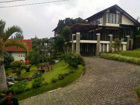 IMG-20150511-02235 Villa Istana Bunga Penginapan favorit Di Lembang.